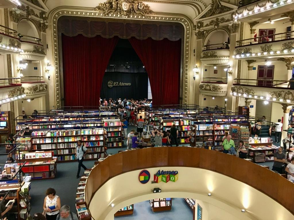 Das Ateneo in Buenos Aires: eine der schönsten Büchereien der Welt ist in einem alten Theater zu Hause (Foto: B. Bohr)